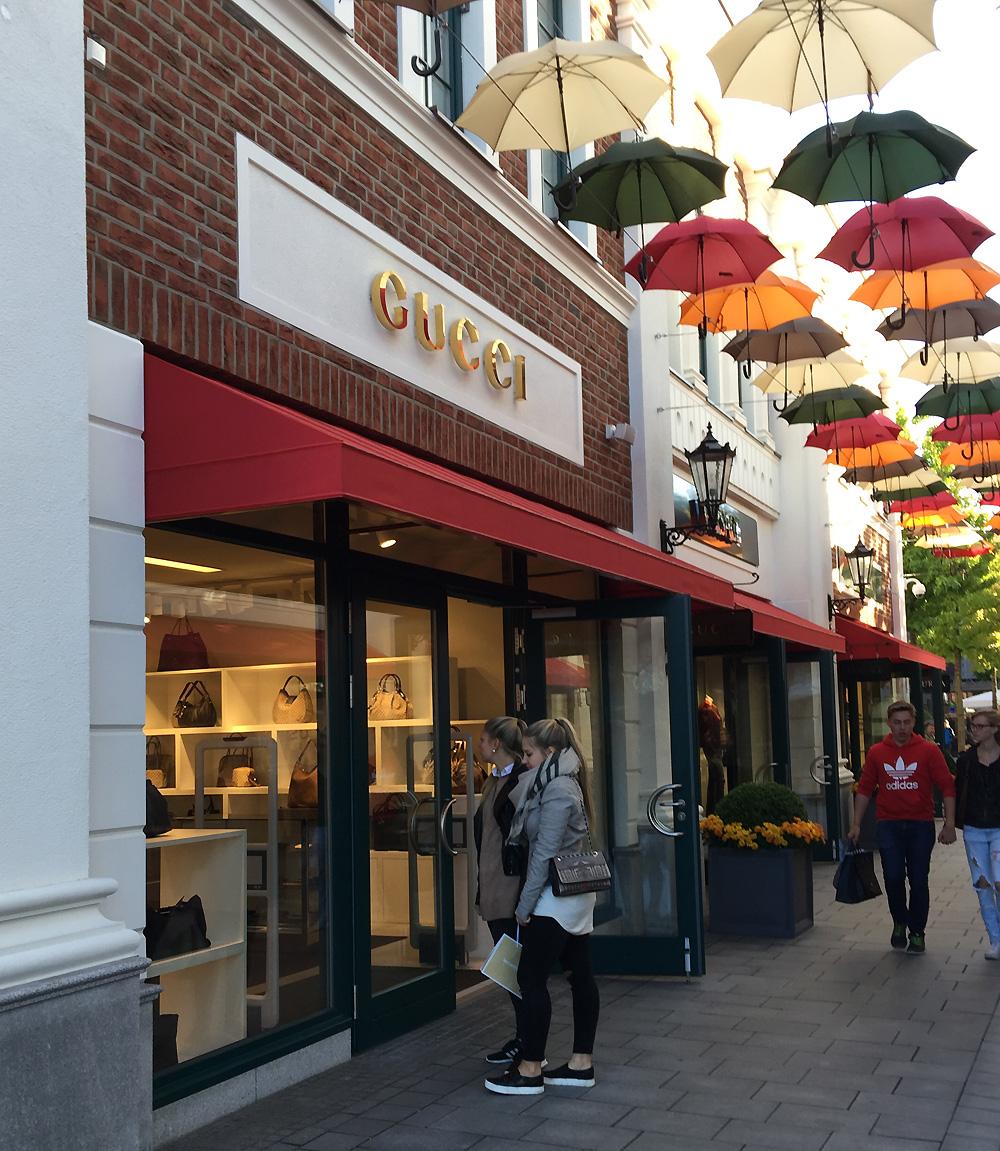 Shoppingbummel im Outlet Neumünster - Hamburg City Faces